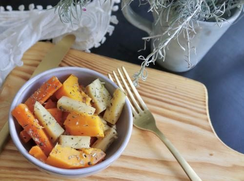 Nishime otoñal de verduras de raíz a la mostaza y sésamo