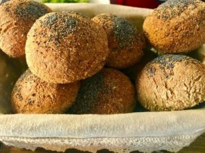 bollitos sin gluten con semillas de amapola